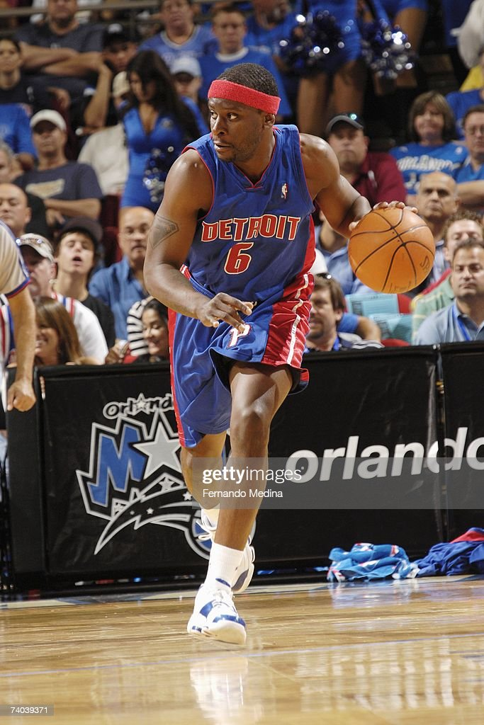 Flip Murray #6 of the Detroit Pistons dribbles against the Orlando Magic in Game Four of the Eastern Conference Quarterfinals during the 2007 NBA Playoffs at Amway Arena on April 28, 2007 in Orlando, Florida. The Pistons won 97-93 to sweep the series 4-0.