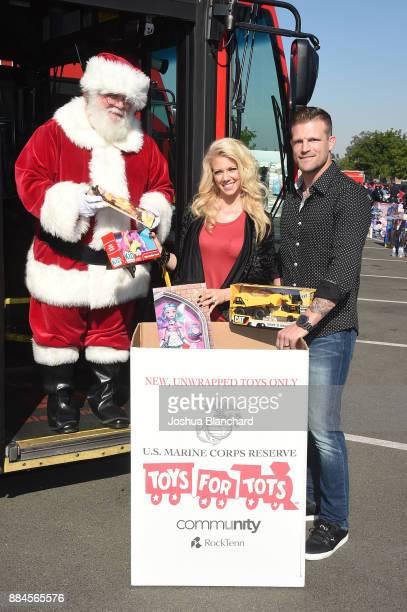 'Flip or Flop Vegas' Stars Aubrey and Bristol Marunde visit with Santa HGTV Santa HQ at Los Cerritos Centeron December 1 2017 in Los Angeles...