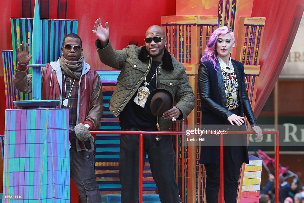 Flo Rida and Stayc Reign attend the 86th Annual Macy's Thanksgiving Day Parade on November 22, 2012 in New York City.