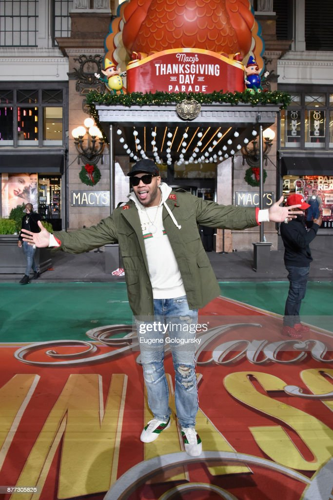 Flo Rida performs at Macy's Thanksgiving Day Parade Talent Rehearsals at Macy's Herald Square on November 21, 2017 in New York City.