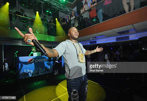 Flo Rida performs at the Pepsi and iHeartRadio Summer Kickoff Party on board the Hornblower Infinity on June 1 2015 in New York City