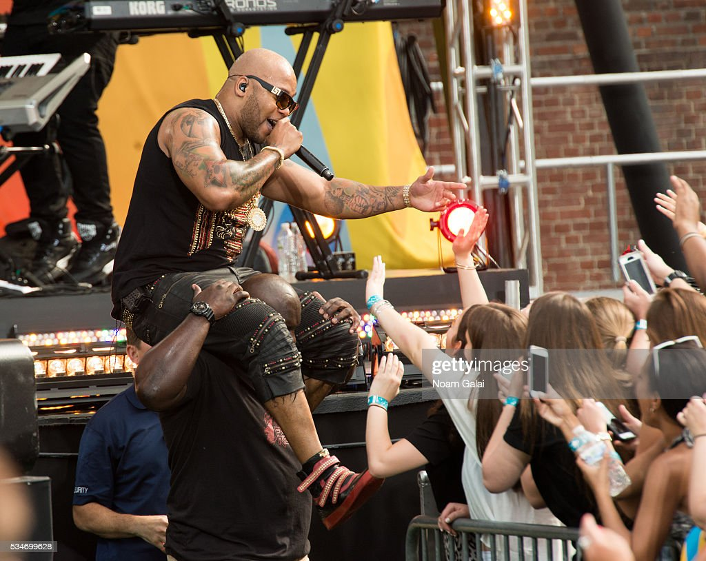 <a gi-track='captionPersonalityLinkClicked' href=/galleries/search?phrase=Flo+Rida&family=editorial&specificpeople=4456012 ng-click='$event.stopPropagation()'>Flo Rida</a> performs during ABC's 'Good Morning America' 2016 summer concert series at SummerStage at Rumsey Playfield, Central Park on May 27, 2016 in New York City.