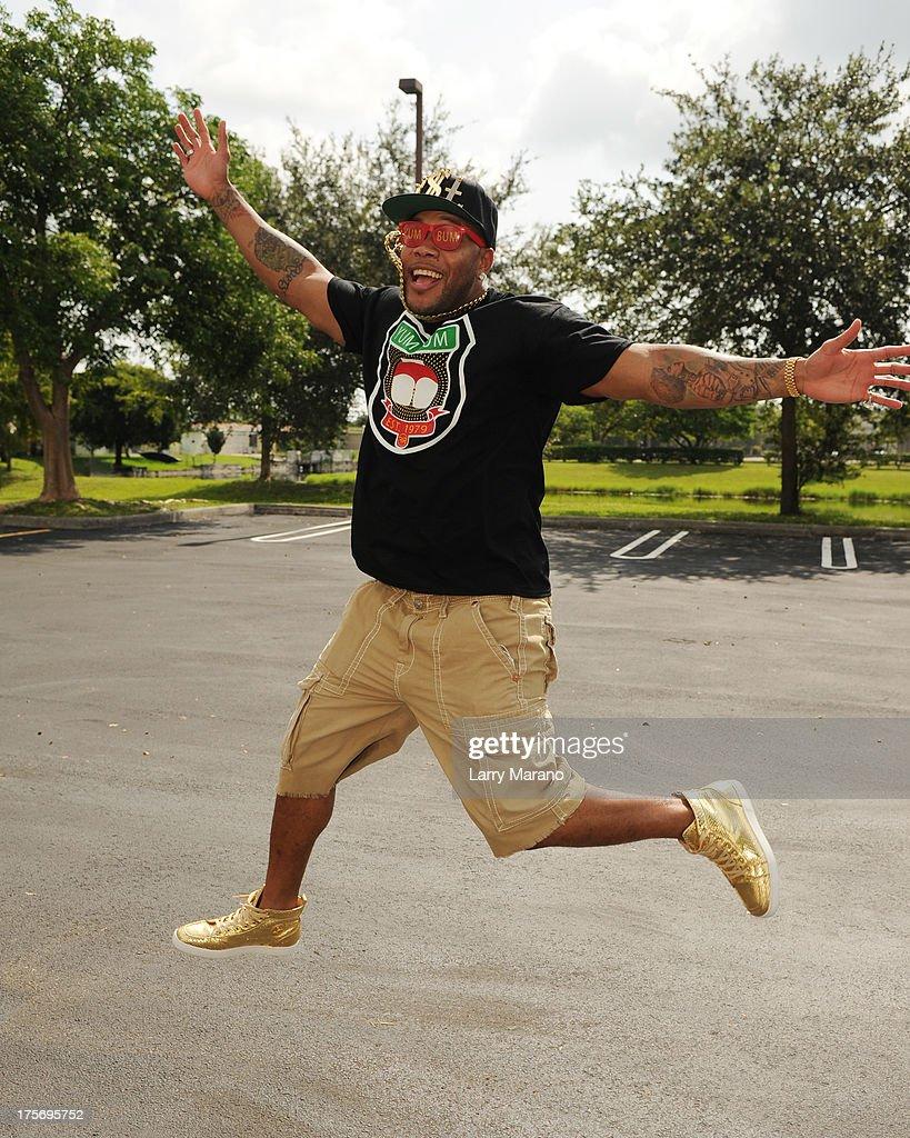 Flo Rida visits Y 100 radio station on August 6, 2013 in Miami, Florida.