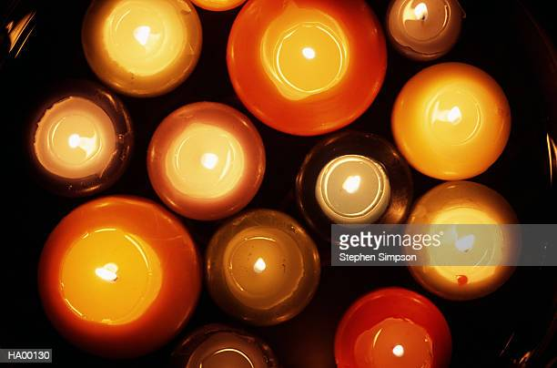 Floating candles in bowl, overhead view