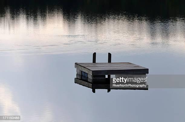 、浮かぶゴムボートで、ミシガン湖