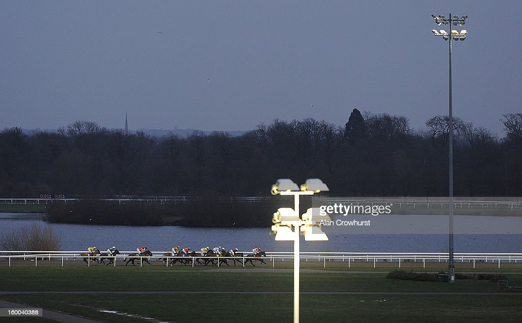 Floodlit racing at Kempton racecourse on January 25, 2013 in Sunbury, England.