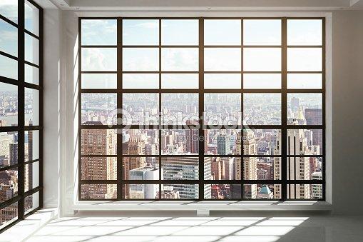 Finestre a tutta altezza con vista sulla citt foto stock - Finestre panoramiche ...