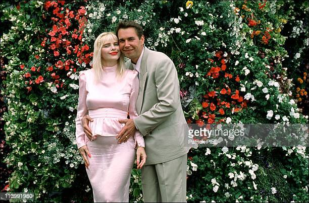 Floral sculpture of Jeff Koons In Bad Arolsen Germany In June 1992Jeff Koons with Ilona Staller pregnant