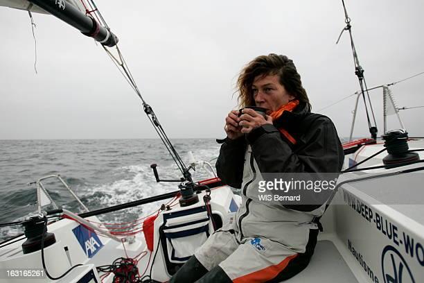Florence Arthaud Preparing The Jacques Vabre Transat France 25 octobre 2007 Florence ARTHAUD lors d'une séance d'entraînement à bord du monocoque...