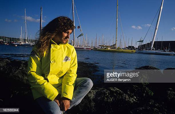 Florence Arthaud Takes Part In The 8Th Soloist Transat Plymouth Newport On Her Trimaran 'Groupe Pierre Ier' En Angleterre à Plymouth le 6 juin 1988 à...
