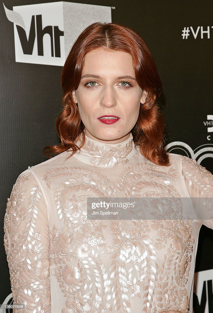 <a gi-track='captionPersonalityLinkClicked' href=/galleries/search?phrase=Florence+Welch&family=editorial&specificpeople=5431574 ng-click='$event.stopPropagation()'>Florence Welch</a> attends 2011 VH1 Divas Celebrates Soul at the Hammerstein Ballroom on December 18, 2011 in New York City.