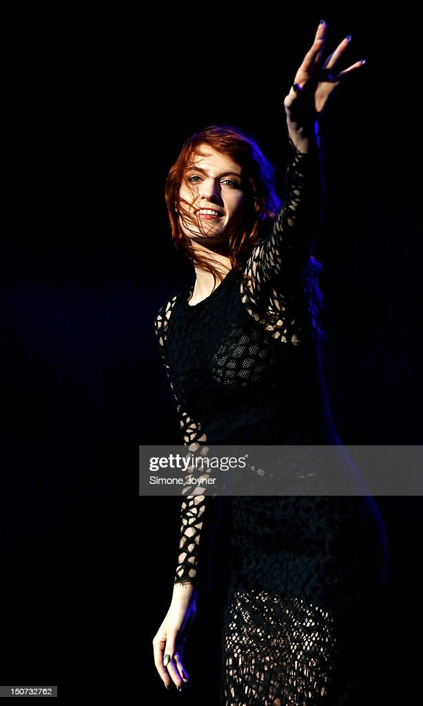 <a gi-track='captionPersonalityLinkClicked' href=/galleries/search?phrase=Florence+Welch&family=editorial&specificpeople=5431574 ng-click='$event.stopPropagation()'>Florence Welch</a> of Florence and the Machine performs live on the Main Stage on Day Two during the Reading Festival 2012 at Richfield Avenue on August 25, 2012 in Reading, England.