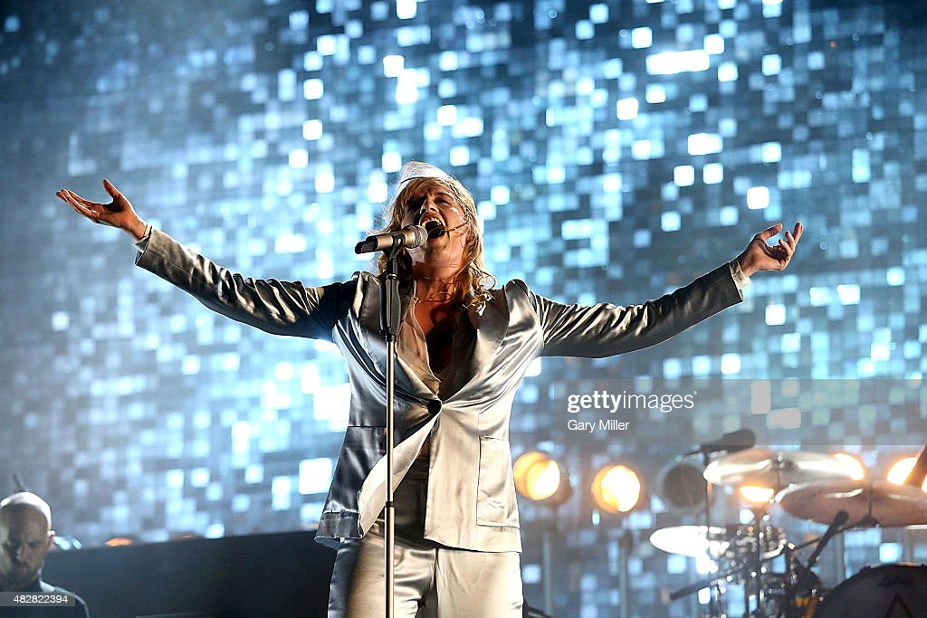 Florence Welch of Florence & the Machine performs in concert on day 3 of Lollapalooza at Grant Park on August 2, 2015 in Chicago, Illinois.