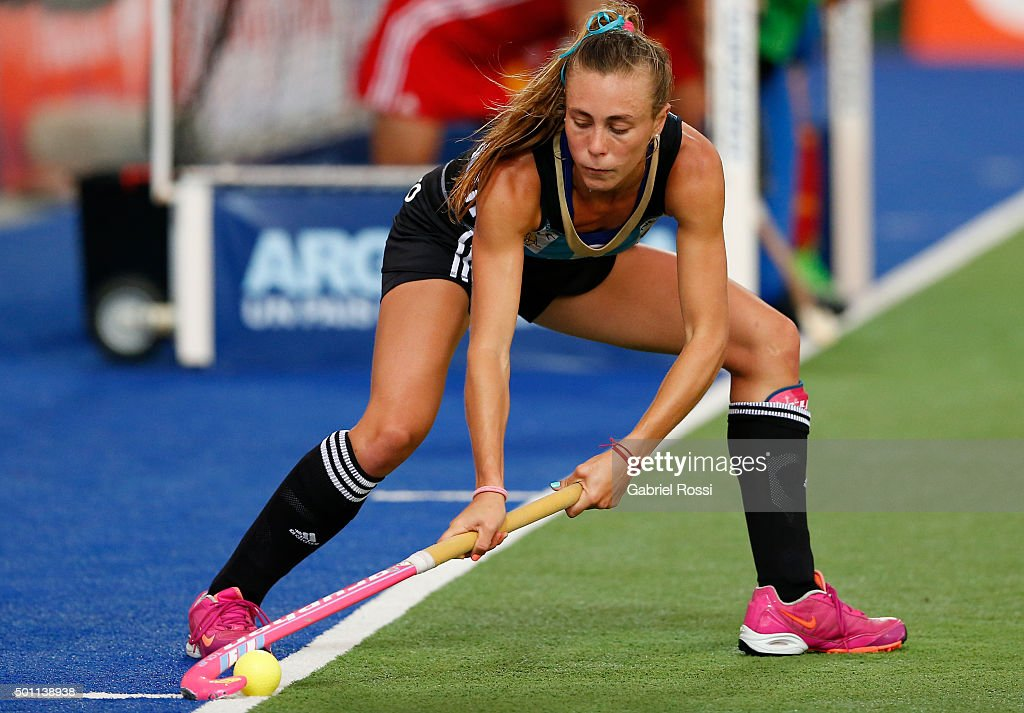 <a gi-track='captionPersonalityLinkClicked' href=/galleries/search?phrase=Florencia+Habif&family=editorial&specificpeople=8840674 ng-click='$event.stopPropagation()'>Florencia Habif</a> of Argentina hits the ball during a match between Argentina and China as part of Day 8 of the Hockey World League Final Rosario 2015 at El Estadio Mundialista on December 12, 2015 in Rosario, Argentina.