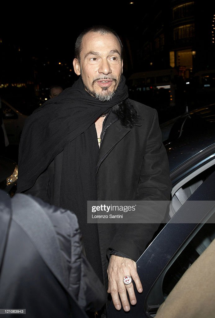 Florent Pagny during Christmas Lighting in ChampsElysees of Paris November 28 2006 at ChampsElysees in Paris France