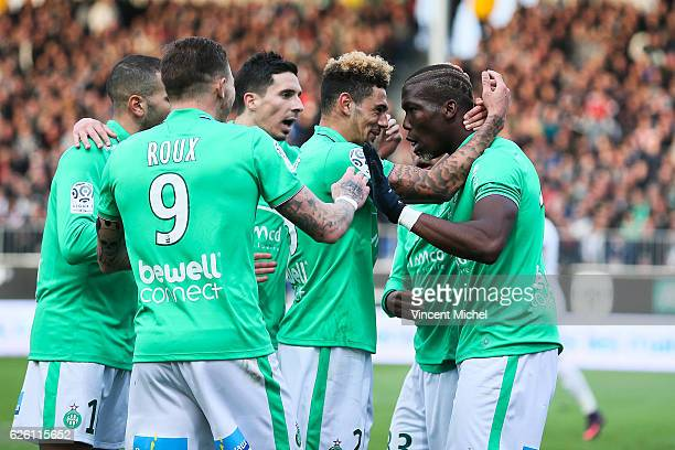 Florentin Pogba celebrates with teammates his goal during the French Ligue 1 match between Angers and Saint Etienne on November 27 2016 in Angers...