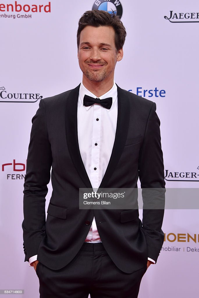 <a gi-track='captionPersonalityLinkClicked' href=/galleries/search?phrase=Florian+David+Fitz&family=editorial&specificpeople=4218706 ng-click='$event.stopPropagation()'>Florian David Fitz</a> attends the Lola - German Film Award (Deutscher Filmpreis) on May 27, 2016 in Berlin, Germany.
