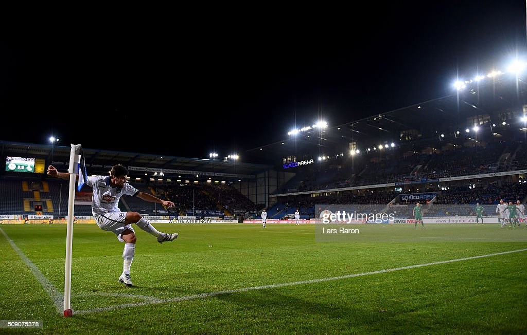 Florian Dick of Bielefeld kicks a corner during the Second Bundesliga match between Arminia Bielefeld and MSV Duisburg at Schueco Arena on February 8, 2016 in Bielefeld, Germany.
