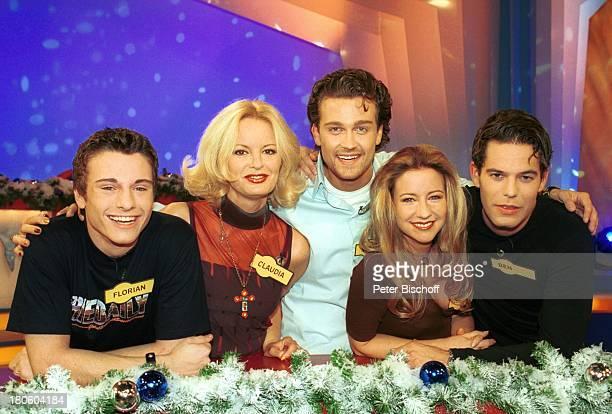 Florian Jahr Claudia Neidig Wayne Carpendale Isabell Hertel Ben Ruediger RTL'Unter Uns' RTLShow 'SoapDuell' Weihnachten Weihnachtsdekoration...