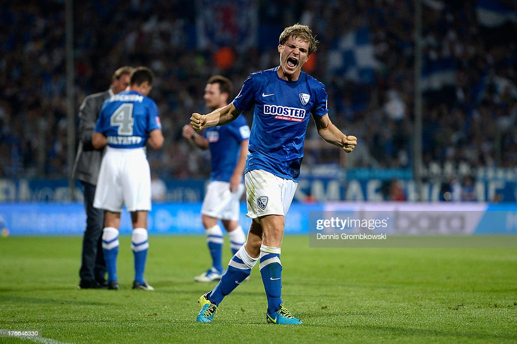 Florian Jungwirth of VfL Bochum celebrates after scoring his team's second goal during the Second Bundesliga match between VfL Bochum and FC St Pauli...