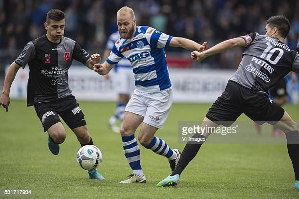 Florian Loshaj of MVV Nathaniel Will of De Graafschap Stef Peeters of MVV during the Playoffs Promotion/Relegation return match between De Graafschap...