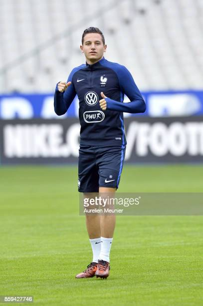 Florian Thauvin of France warms up before a France training session ahead of the France v Belarus FIFA 2018 World Cup Qualifier at Stade de France on...