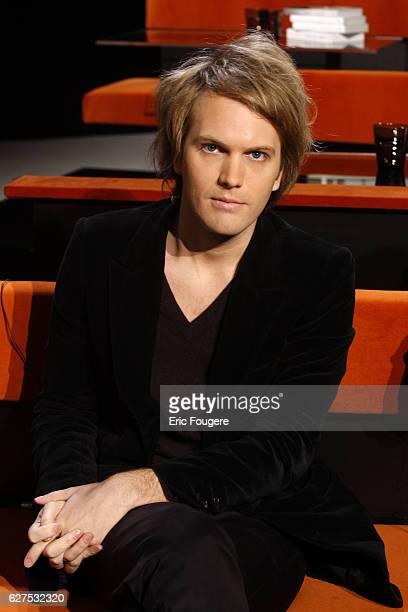 Florian Zeller on the set of TV show 'Au Field de la Nuit'