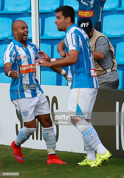 Florian��polis/SC Ava�� players celebrate the goal scored by Andr�� Lima from 19th round of Brazilian Soccer Championship 2015 Photo Fernando Remor