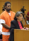 Florida attorney Diane Buerger argues for bail for RB singer R Kelly at the Polk County Courthouse on June 6 2002 in Bartow Florida Judge Karla...