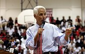 Florida Governor Charlie Crist gestures as he speaks with students at MiamiEdison High School August 22 2007 in Miami Florida The Governor visited...