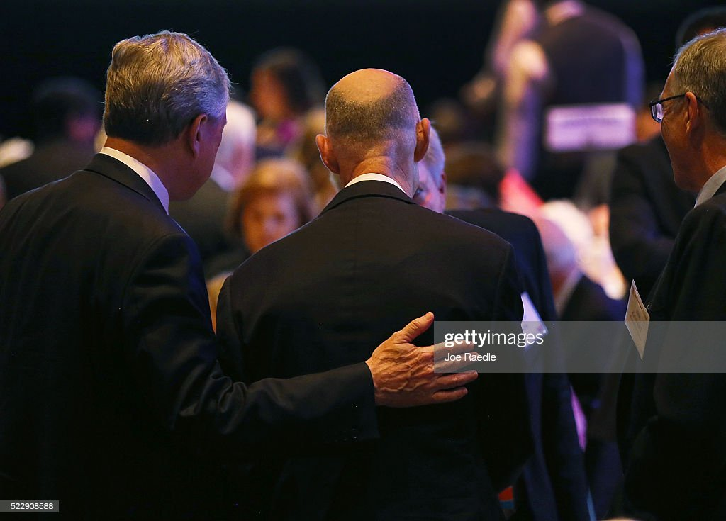 Florida Governor <a gi-track='captionPersonalityLinkClicked' href=/galleries/search?phrase=Rick+Scott+-+Politiek&family=editorial&specificpeople=2370892 ng-click='$event.stopPropagation()'>Rick Scott</a> (C) mingles with people during the Republican National Committee Spring Meeting at the Diplomat Resort on April 21, 2016 in Hollywood, Florida. The RNC's spring meeting also was where the 56-member rules committee held a meeting to help form the guidelines for this years nominating convention in Cleveland, Ohio.