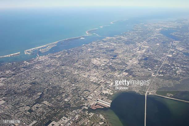 フロリダのガルフコースト空から見たホテル