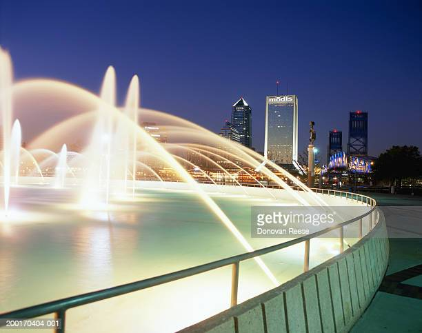 USA, Florida, Jacksonville, Friendship Fountain and cityscape, dusk