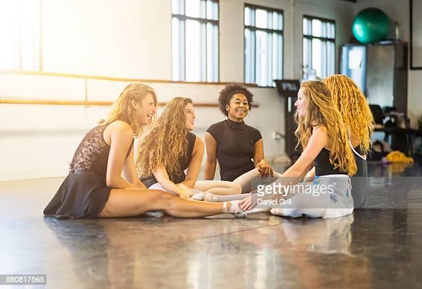 USA, Florida, Jupiter, Young women in dance studio
