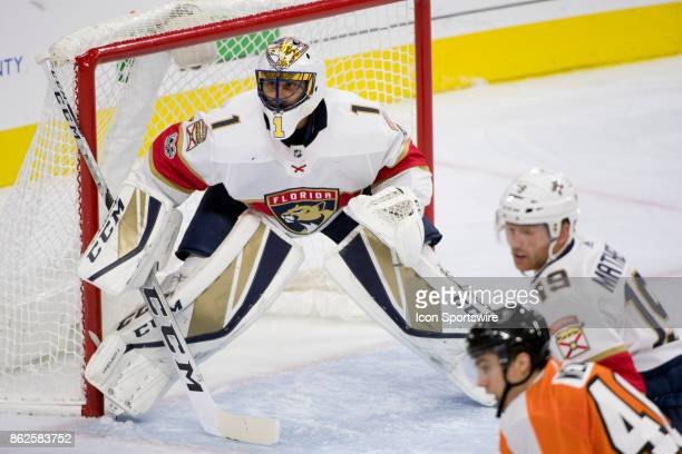 Florida Panthers Goalie Roberto Luongo readies to make a save in the first period during the game between the Florida Panthers and Philadelphia...