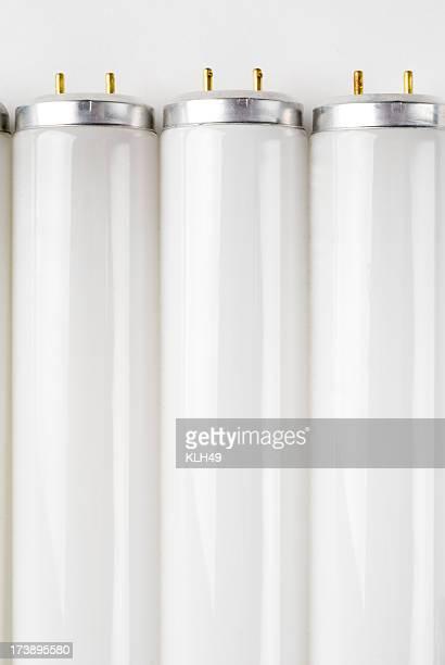 Les ampoules compactes à lumière fluo