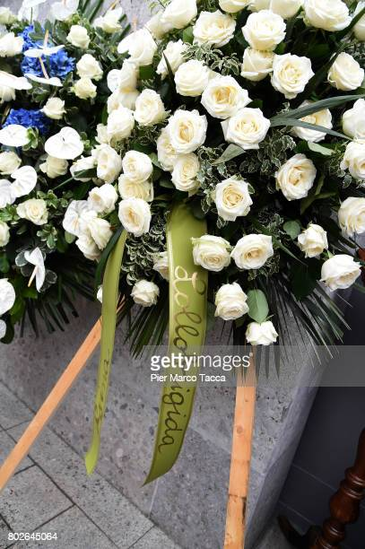 A flower crown of Gina Lollobrigida is displayed during the Paolo Limiti funeral services at the church of Santa Maria Goretti on June 28 2017 in...