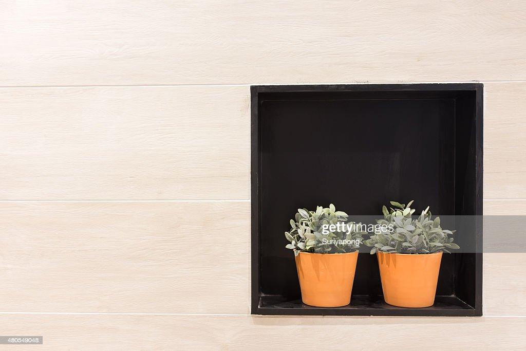 Flowerpot en el laminado textura de pared y el fondo. : Foto de stock