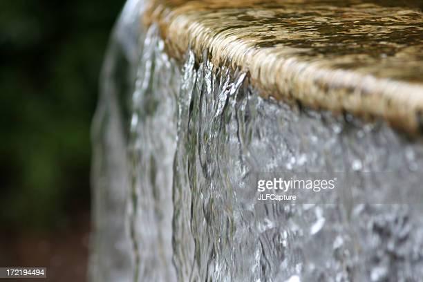 Acqua fluente