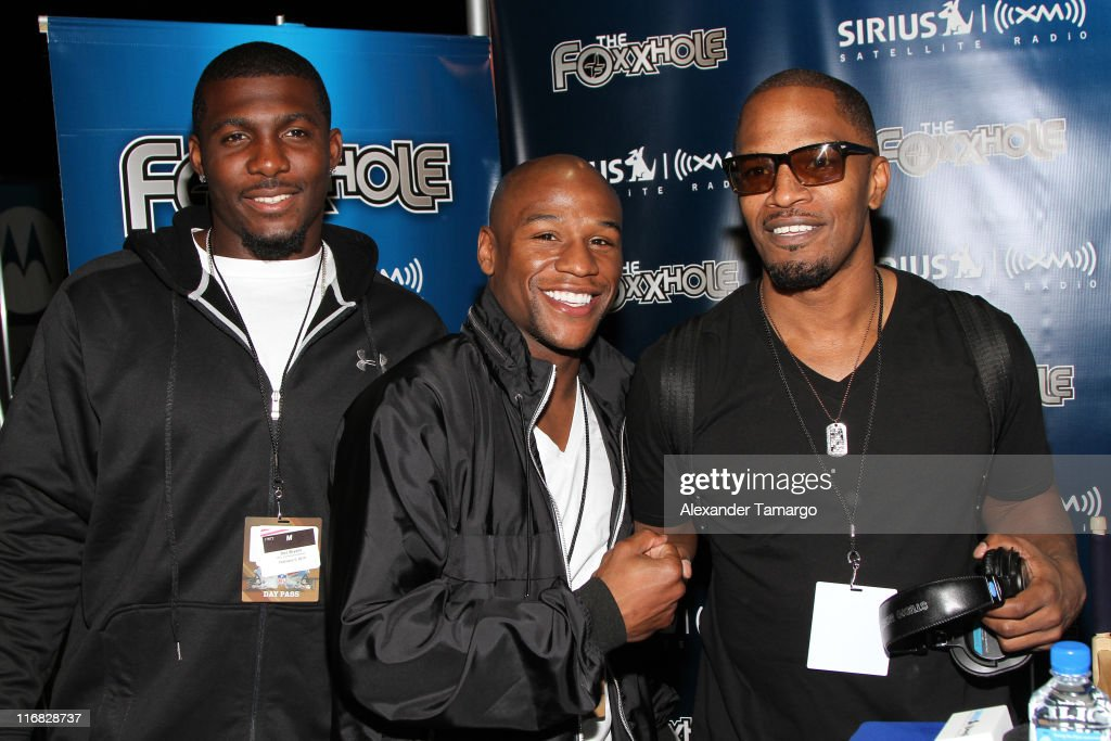 Floyd Mayweather and Jamie Foxx appear on Jamie Foxx's Sirius XM Foxxhole Radio at Super Bowl weekend in Miami Beach Florida