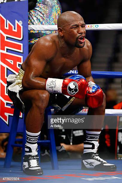Floyd Mayweather Jr in his corner inbetween rounds during the welterweight unification championship bout on May 2 2015 at MGM Grand Garden Arena in...