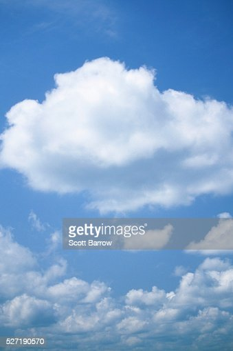 Fluffy clouds : Stockfoto