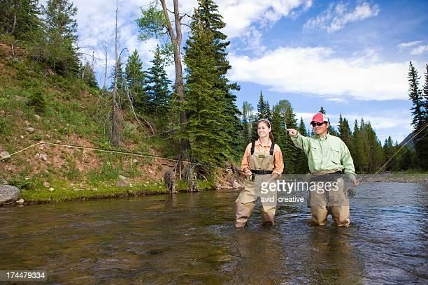 Fliegenfischen in Mountain Stream
