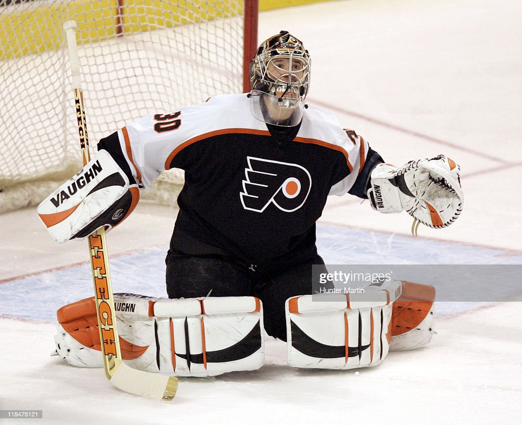 Flyers goalie Antero Niittymaki makes a save at The Wachovia Center. Vancouver Canucks vs Philadelphia Flyers, Philadelphia, Pa., Thursday December, 15th, 2005.