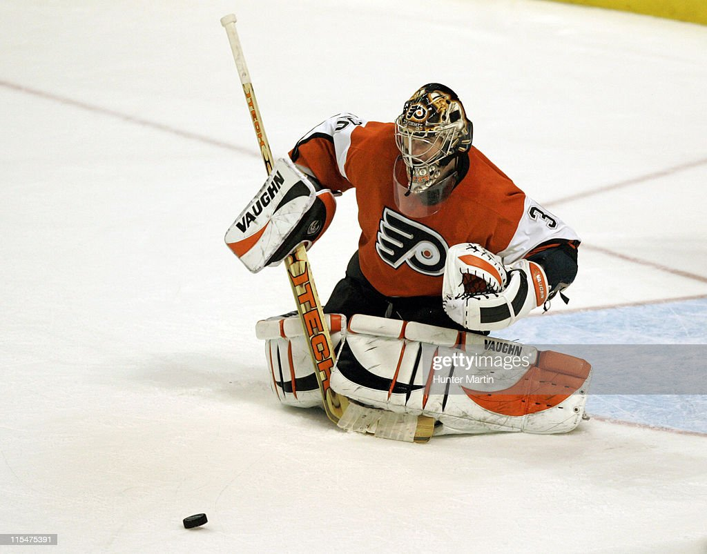 Flyers goalie Antero Niittymaki (30) makes a save at the Wachovia Center in Philadelphia, Pennsylvania on Saturday January 14, 2006.