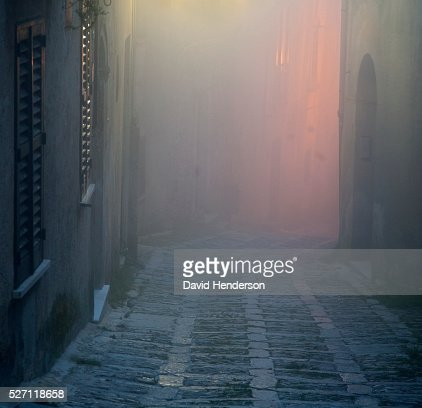 Foggy alley : Stock-Foto
