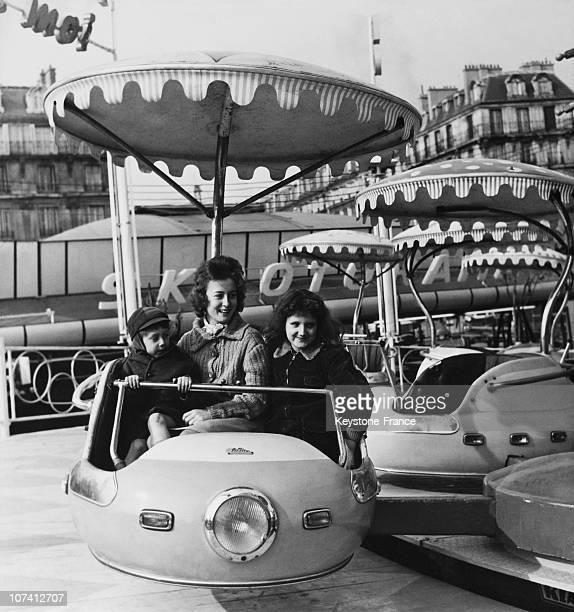 Foire Du Trone Funfair In Paris On 1961
