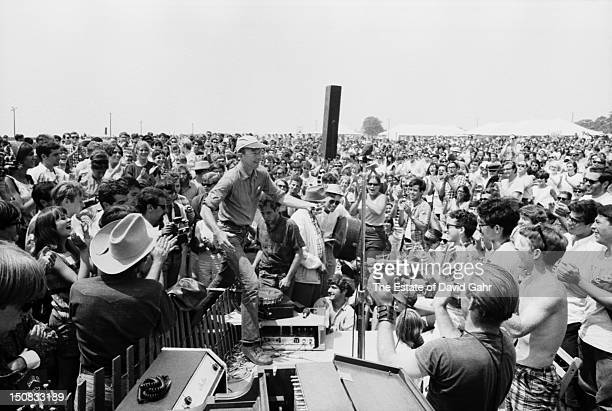 Folk singer musician songwriter and activist Pete Seeger performs on July 1966 at the Newport Folk Festival in Newport Rhode Island