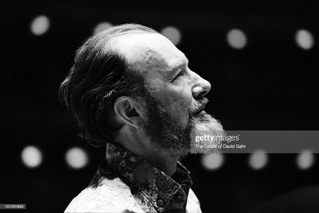 Folk singer, songwriter, and activist <a gi-track='captionPersonalityLinkClicked' href=/galleries/search?phrase=Pete+Seeger&family=editorial&specificpeople=213821 ng-click='$event.stopPropagation()'>Pete Seeger</a> performs at Carnegie Hall on March 8, 1974 in New York City, New York.