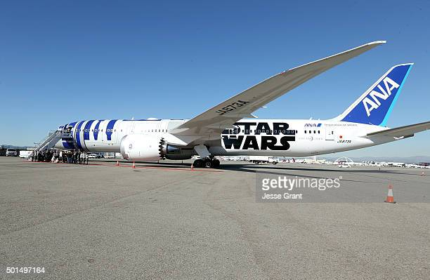 Following the world premiere in Hollywood of Lucasfilm's 'Star Wars The Force Awakens' the film's stars were joined by JJ Abrams and...